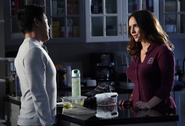 """9-1-1: Kenneth Choi and Jennifer Love Hewitt in the """"Buck, Actually"""" episode of 9-1-1 airing Monday, Nov. 5 (9:00-10:00 PM ET/PT) on FOX. © 2018 FOX Broadcasting. Cr: Jack Zeman  / FOX."""
