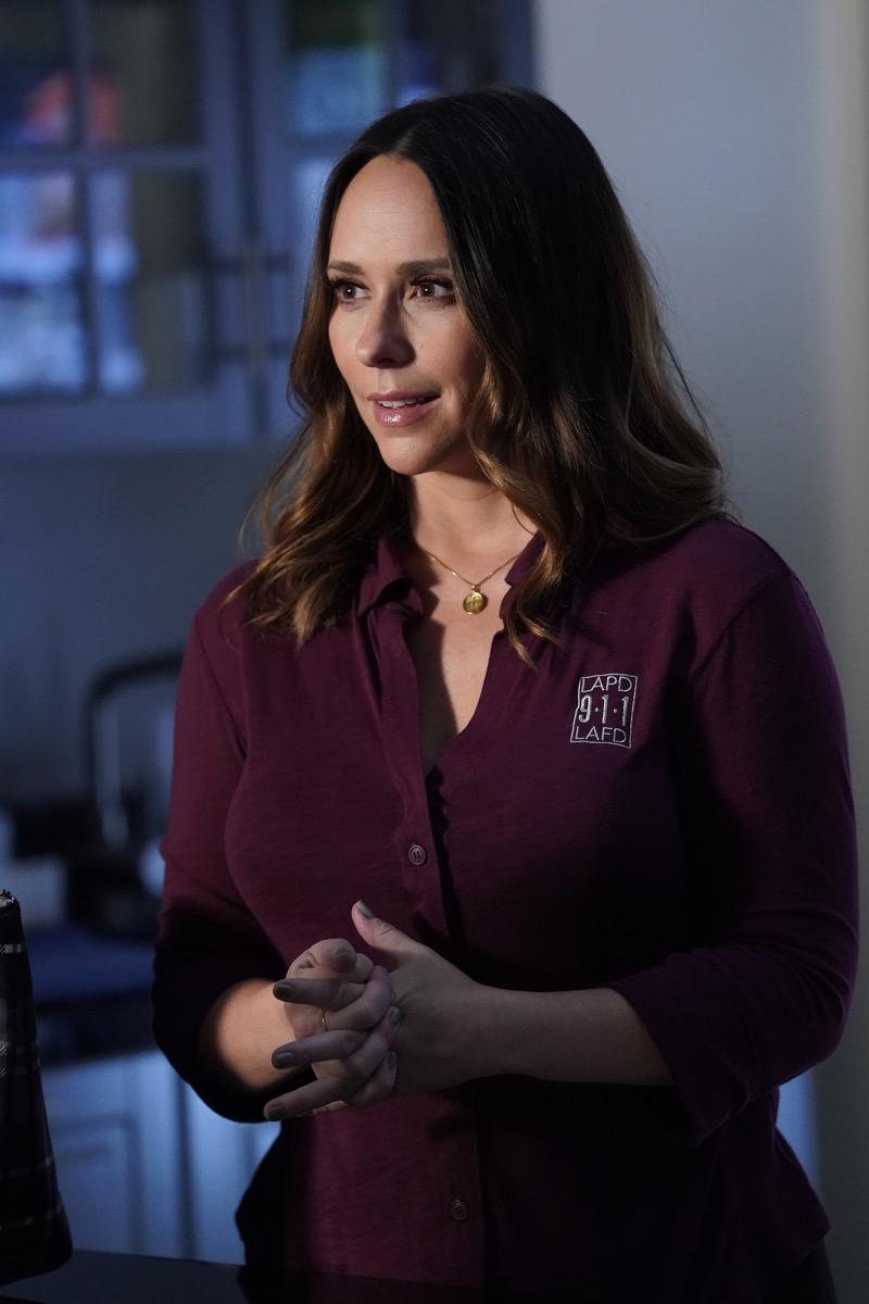 "9-1-1: Jennifer Love Hewitt in the ""Buck, Actually"" episode of 9-1-1 airing Monday, Nov. 5 (9:00-10:00 PM ET/PT) on FOX. © 2018 FOX Broadcasting. Cr: Jack Zeman  / FOX."