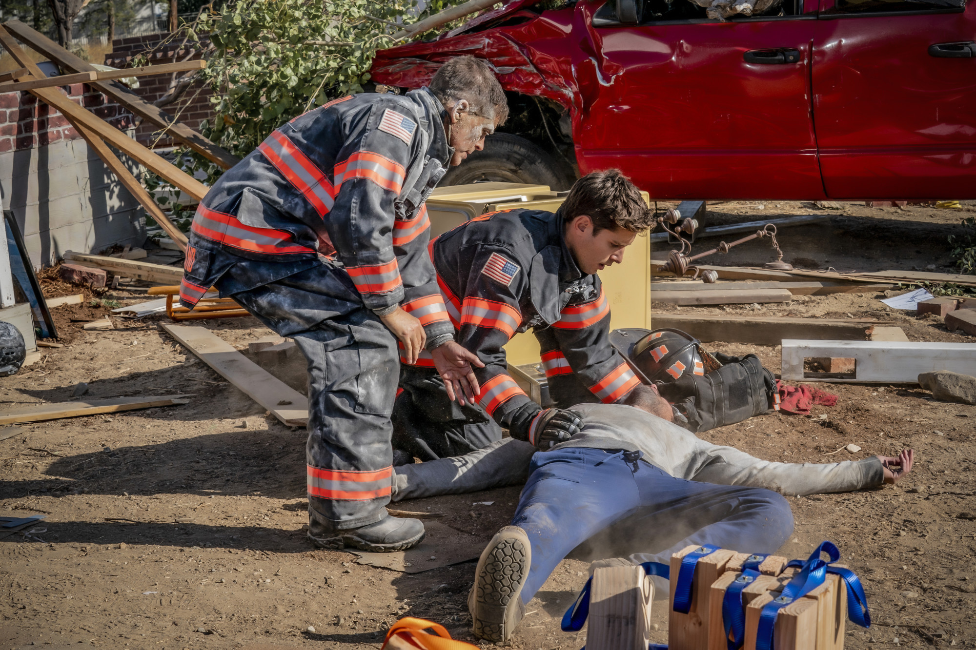 """9-1-1: LONE STAR: L-R: Rob Lowe and Ronen Rubenstein in the """"Act of God"""" episode of 9-1-1: LONE STAR airing Monday, Feb. 3 (8:00-9:01 PM ET/PT) on FOX. ©2020 Fox Media LLC. CR: Jack Zeman/FOX."""