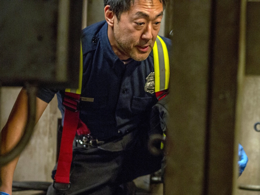 "9-1-1: Kenneth Choi in the ""Stuck"" episode of 9-1-1 airing Monday, Oct. 15 (9:00-10:00 PM ET/PT) on FOX. © 2018 FOX Broadcasting. CR: Jack Zeman / FOX."