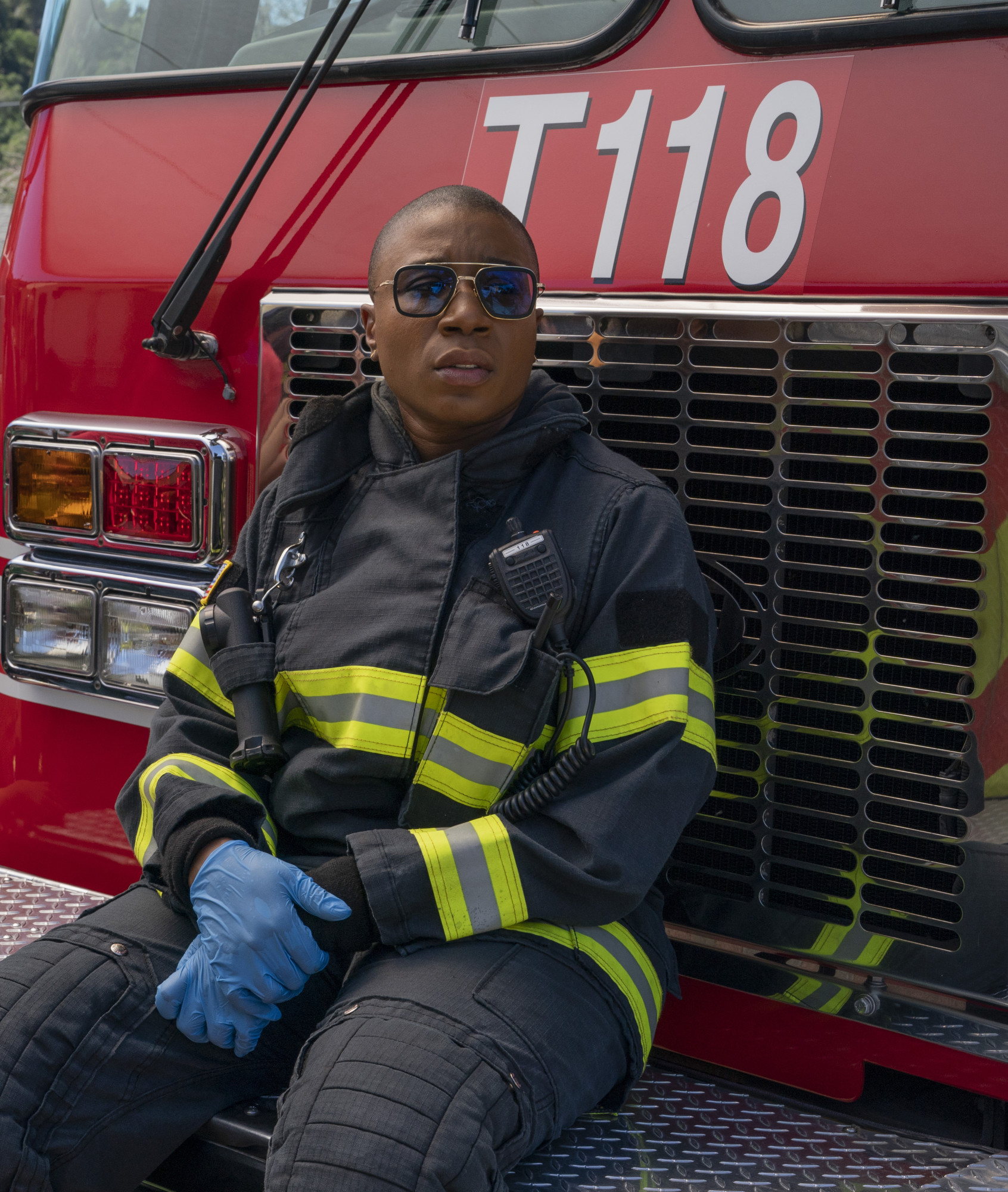 """9-1-1: Aisha Hinds in the """"This Life We Choose"""" season finale episode of 9-1-1 airing at a special time Monday, May 13 (8:00-9:01 PM ET/PT) on FOX. © 2018 FOX MEDIA LLC. CR: Jack Zeman / FOX"""