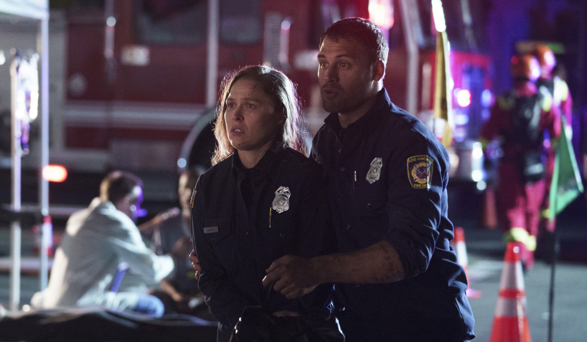 "9-1-1: L-R: Guest star Ronda Rousey and Ryan Guzman in the ""Searchers"" episode of 9-1-1 airing Monday, Oct. 7 (8:00-9:00 PM ET/PT) on FOX. CR: Aaron Epstein/FOX. © 2019 FOX MEDIA LLC."