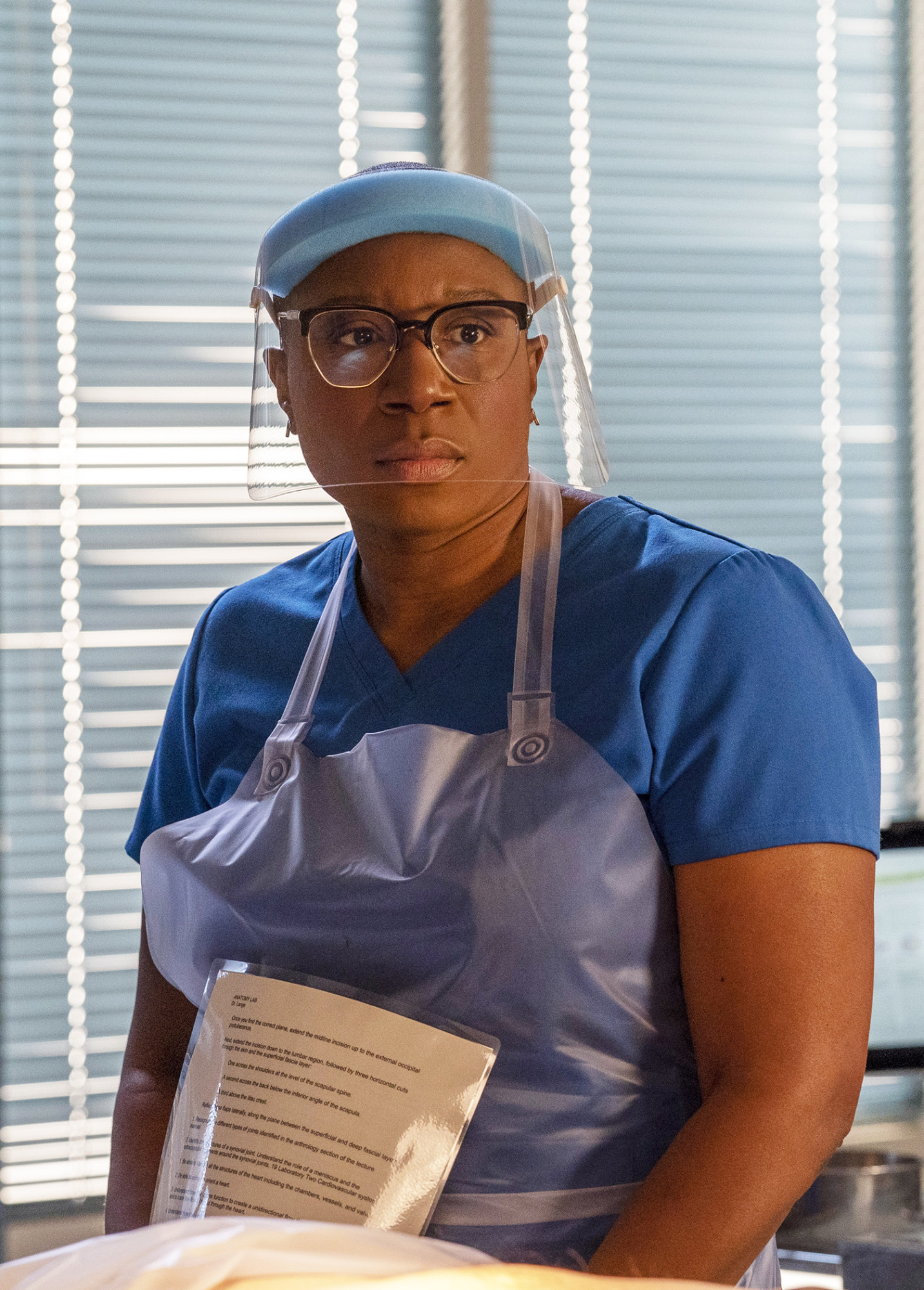 "9-1-1: Aisha Hinds in the ""Future Tense"" episode of 9-1-1 airing Monday, Feb. 1 (8:00-9:00 PM ET/PT) on FOX. CR: FOX. © 2021 FOX Media LLC."