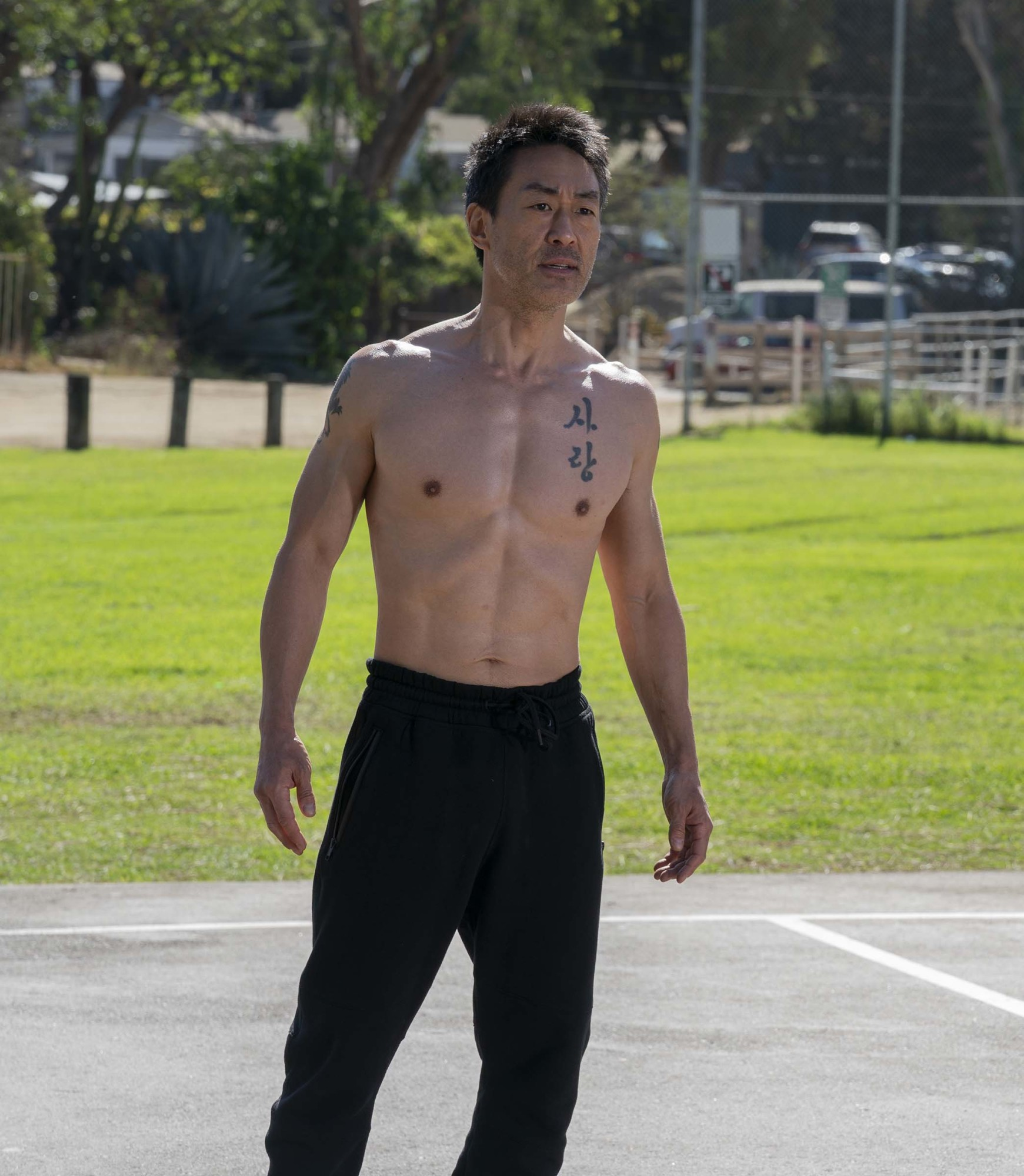 """9-1-1: Kenneth Choi in the """"9-1-1, What's Your Grievance"""" episode of 9-1-1 airing Monday, Feb. 8 (8:00-9:00 PM ET/PT) on FOX. CR: Jack Zeman / FOX. © 2021 FOX Media LLC."""