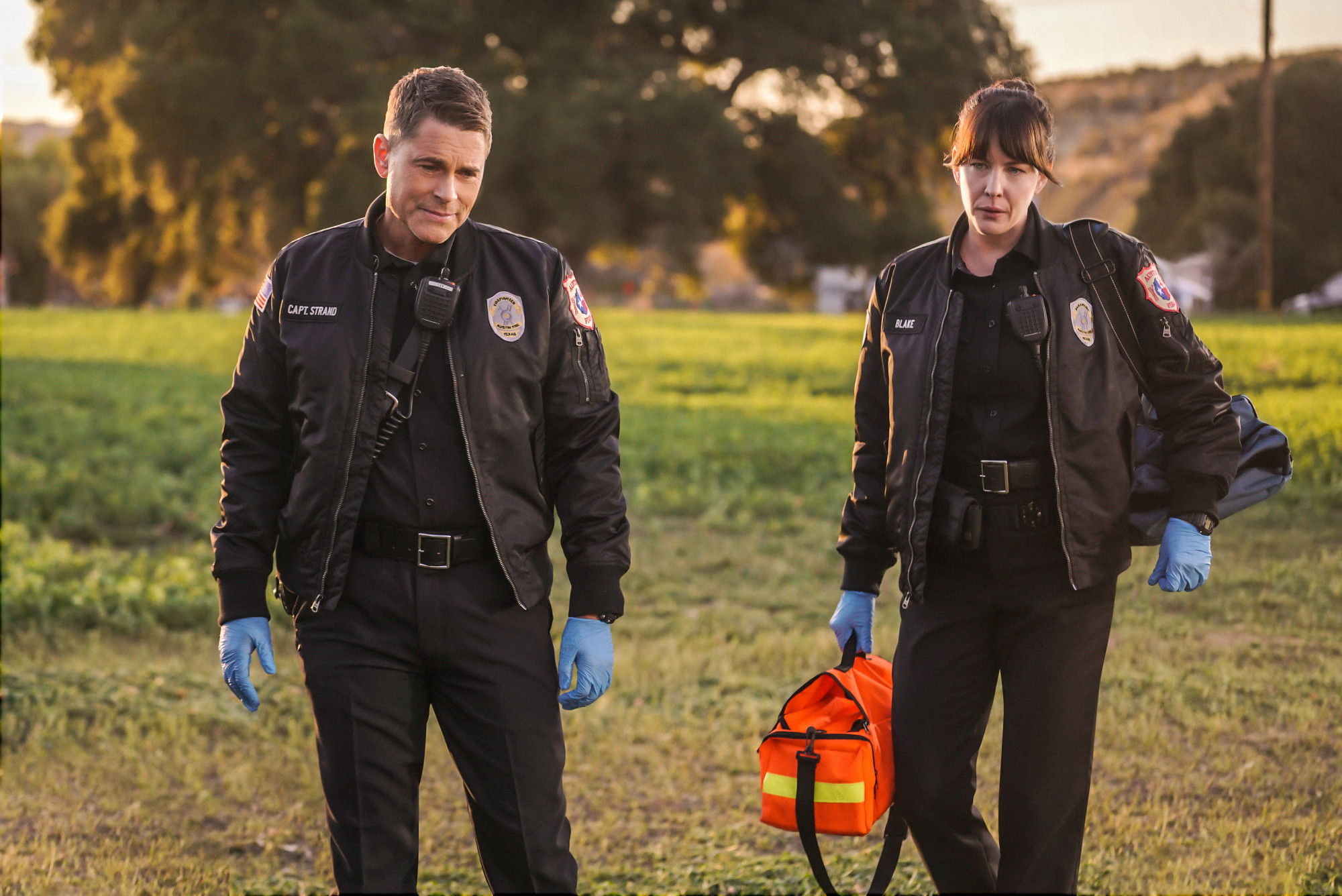 "9-1-1: LONE STAR: L-R: Rob Lowe and Liv Tyler in the ""Friends Like These"" episode of 9-1-1: LONE STAR airing Monday, Feb. 17 (8:00-9:01 PM ET/PT) on FOX. ©2020 Fox Media LLC. CR: Kevin Estrada/FOX."