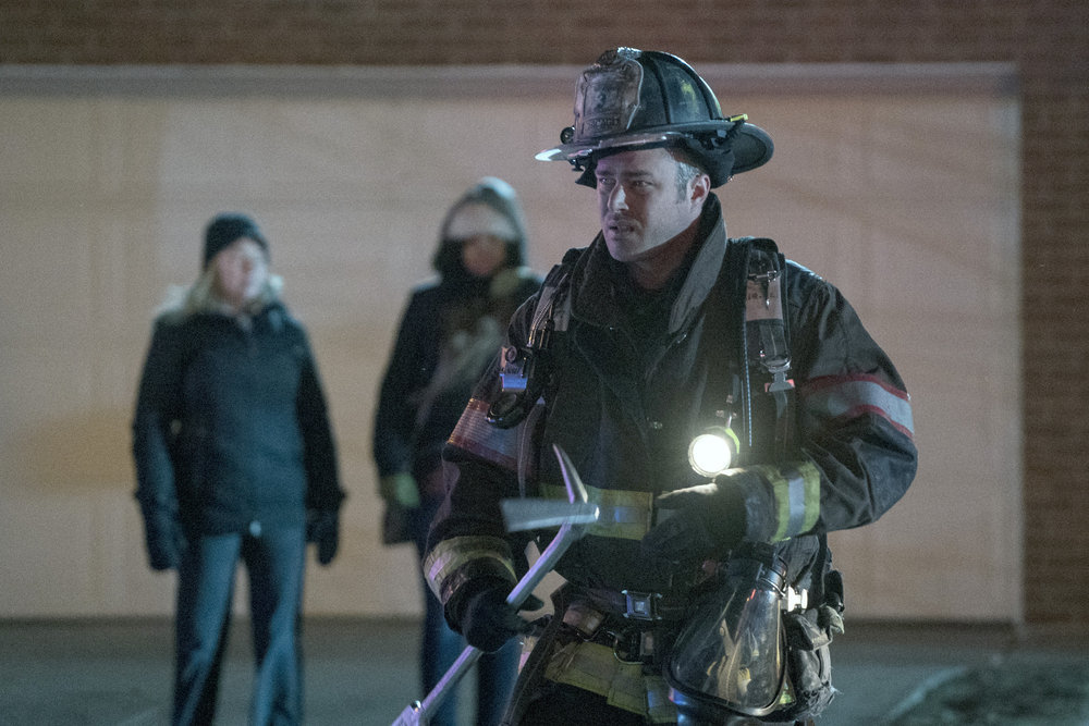 """CHICAGO FIRE -- """"Looking For A Lifeline"""""""