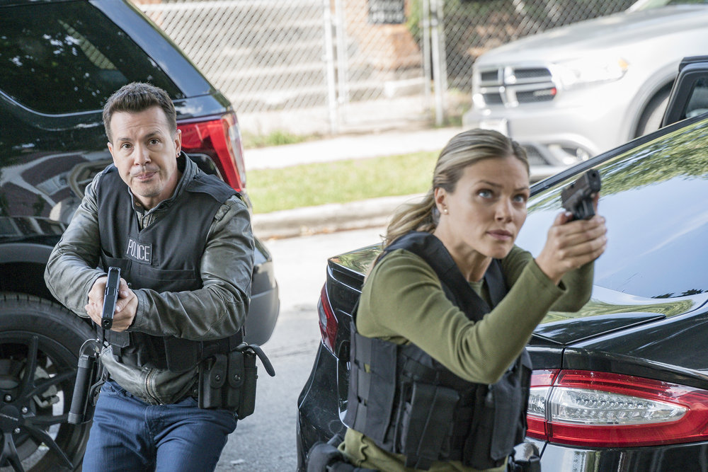 "CHICAGO P.D. Episode 5.04 ""Snitch"""