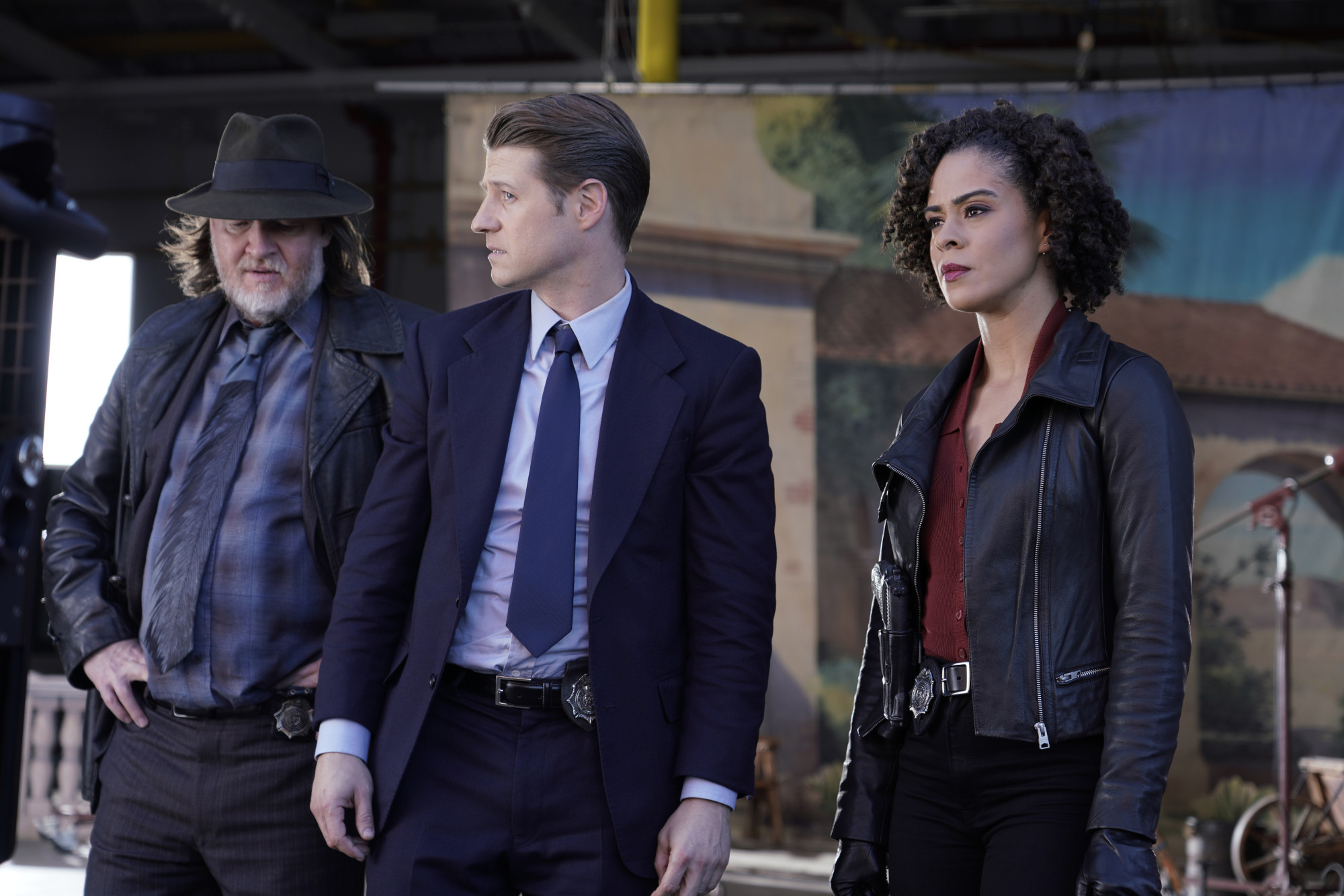"GOTHAM: L-R: Donal Logue, Ben McKenzie and guest star Kelcy Griffin in the ""Ace Chemicals"" episode of GOTHAM airing Thursday, Feb. 21 (8:00-9:00 PM ET/PT) on FOX.  ©2019 Fox Broadcasting Co. Cr: Giovanni Rufino/FOX"