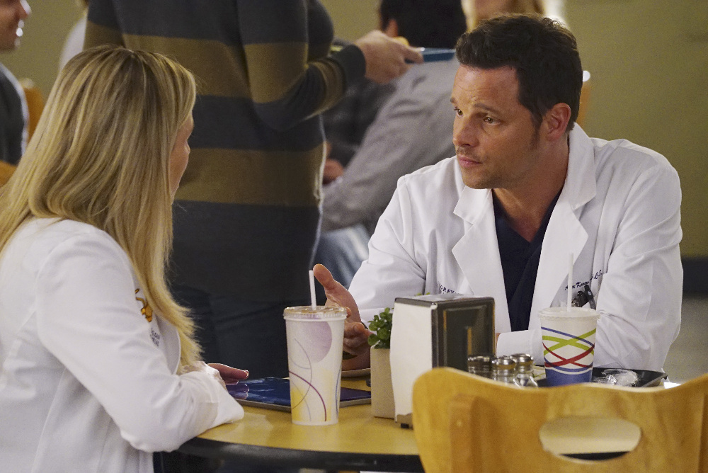"""GREY'S ANATOMY - """"You're Gonna Need Someone on Your Side"""""""