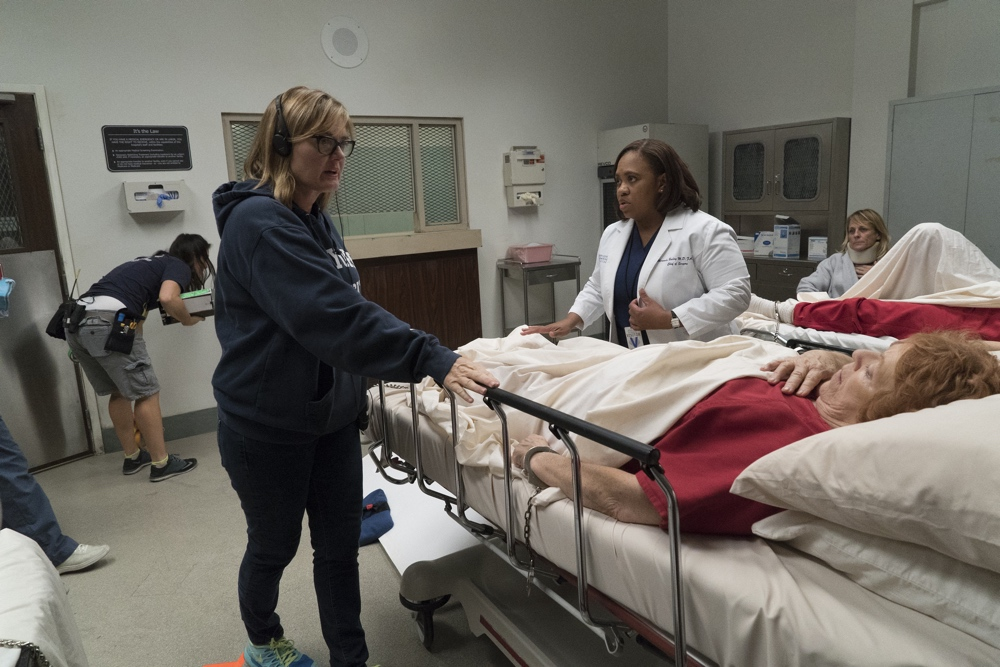 "GREY'S ANATOMY - ""You Can Look (But You'd Better Not Touch)"" BTS"