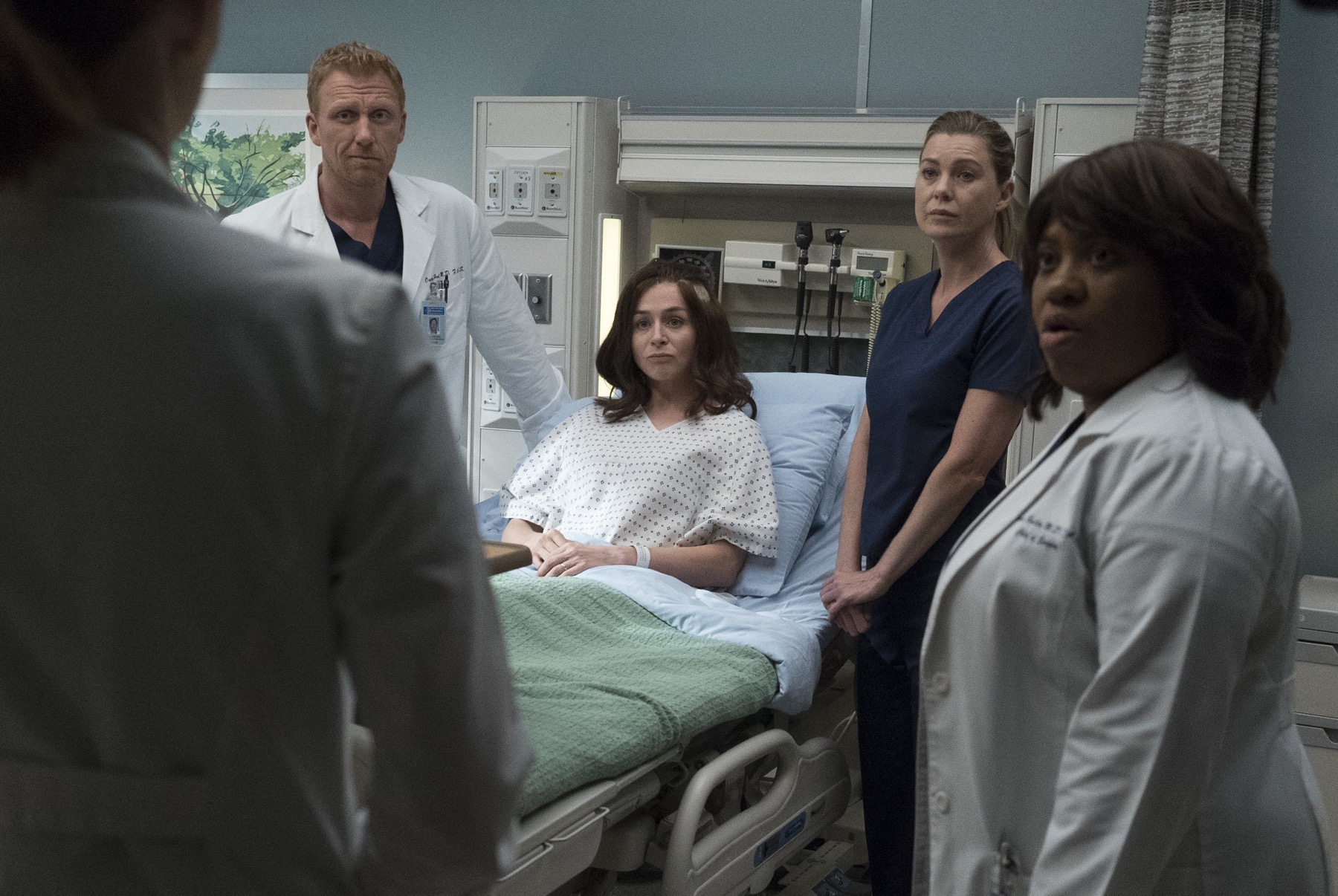 """GREY'S ANATOMY - """"Ain't That a Kick in the Head"""""""
