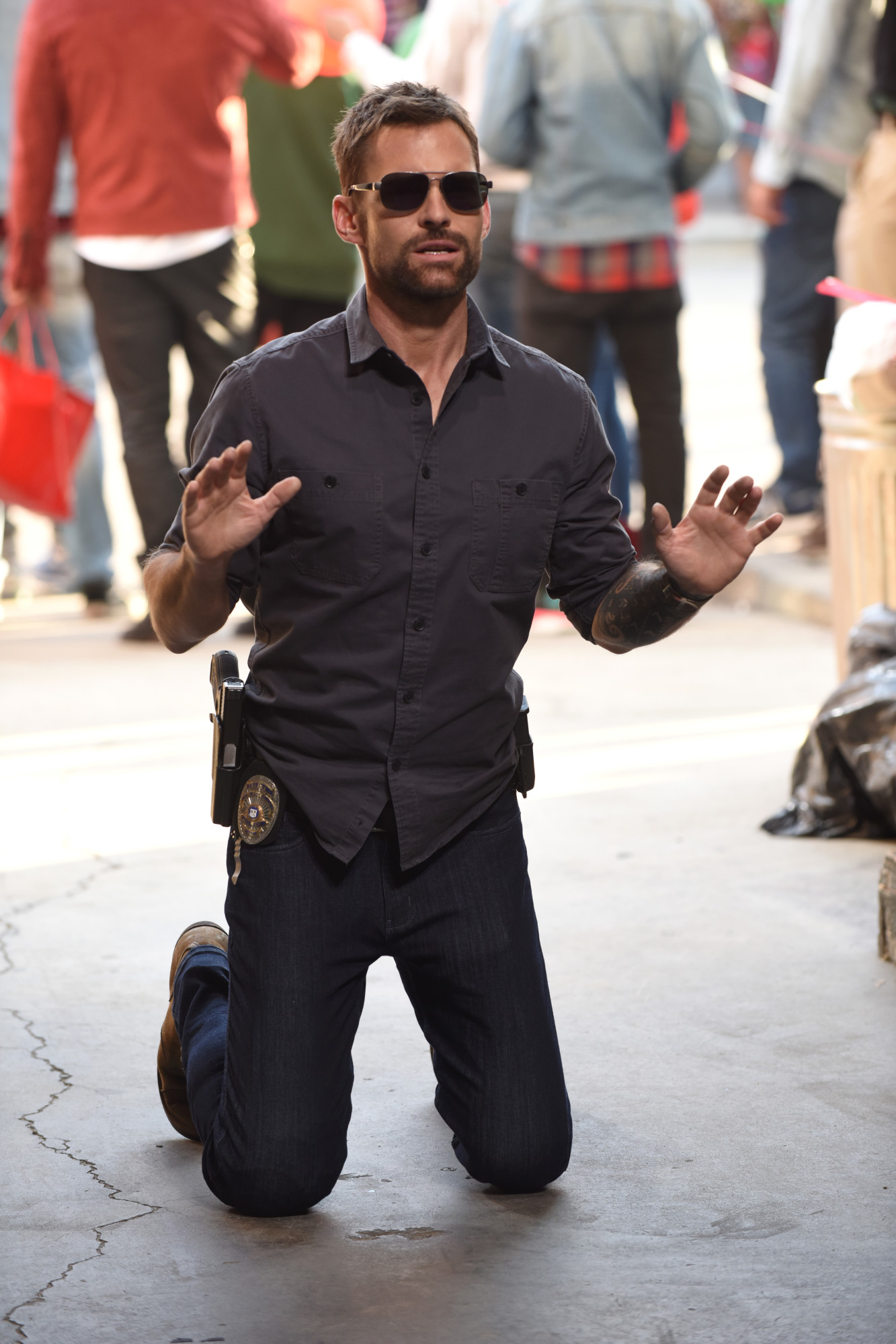 """LETHAL WEAPON: Seann William Scott in the """"Bad Santas"""" fall finale episode of LETHAL WEAPON airing Tuesday, Dec. 4 (9:00-10:00 PM ET/PT) on FOX. ©2018 Fox Broadcasting Co. CR: Ray Mickshaw/FOX"""