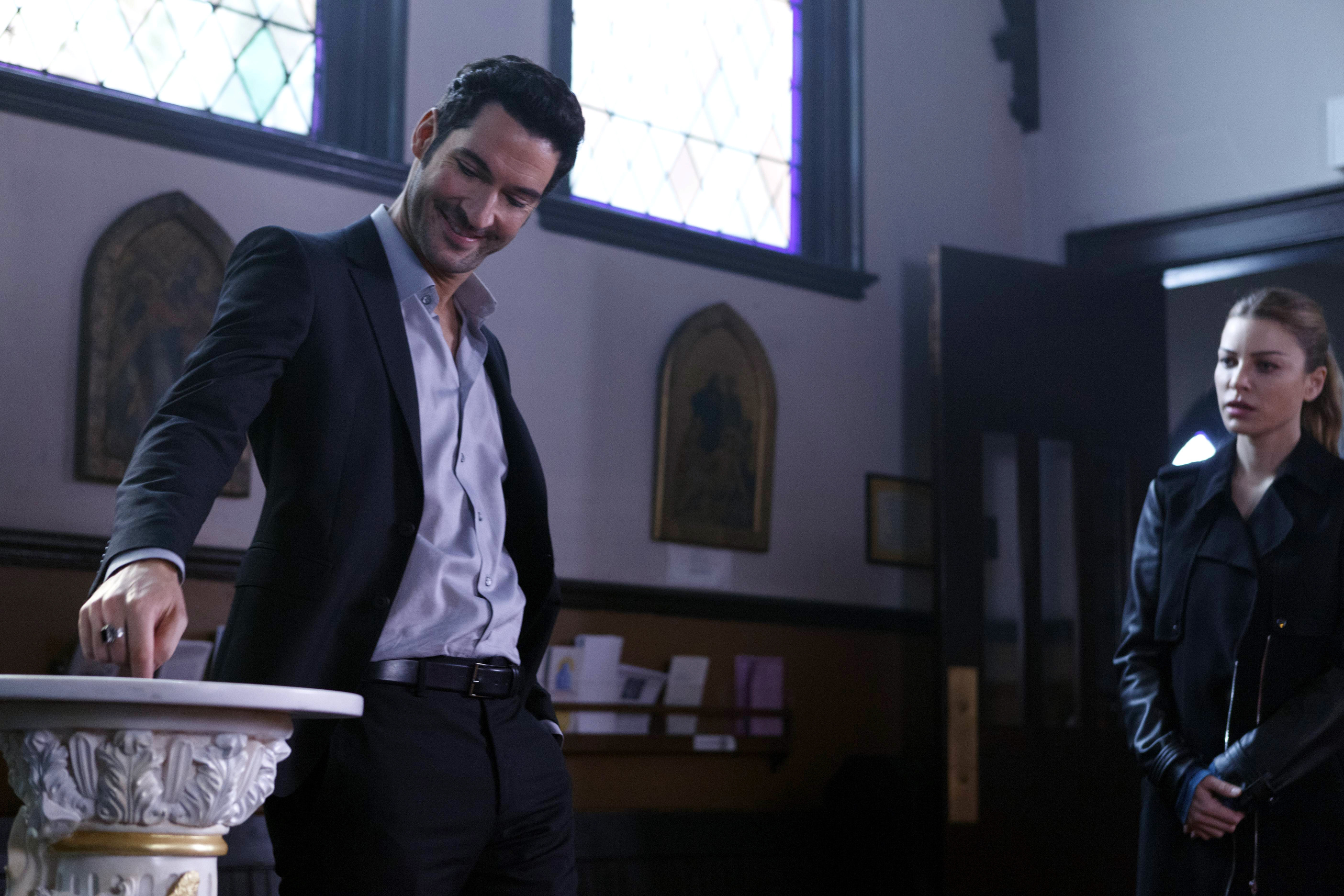 "LUCIFER: ""A Priest Walks into a Bar"""