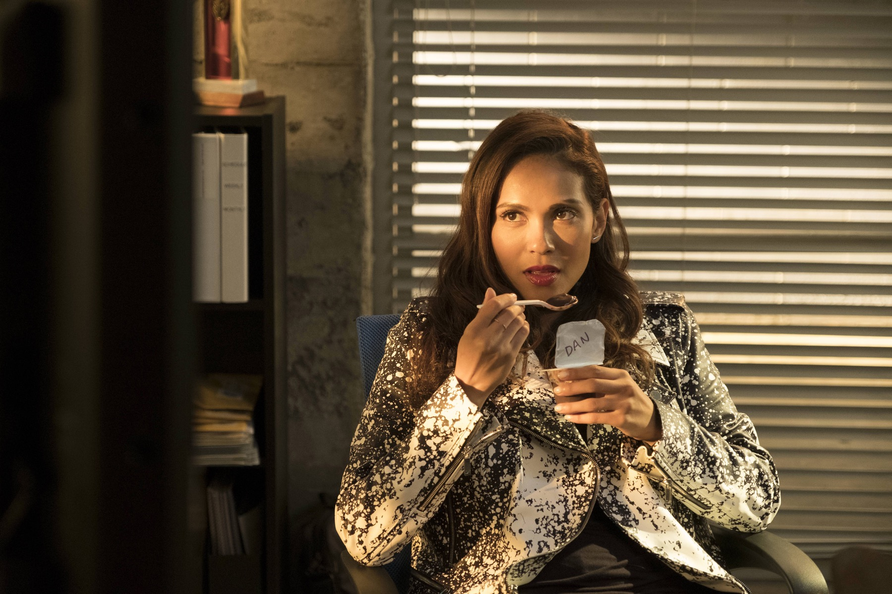 """LUCIFER Episode 3.03 """"Mr. and Mrs. Mazikeen Smith"""""""