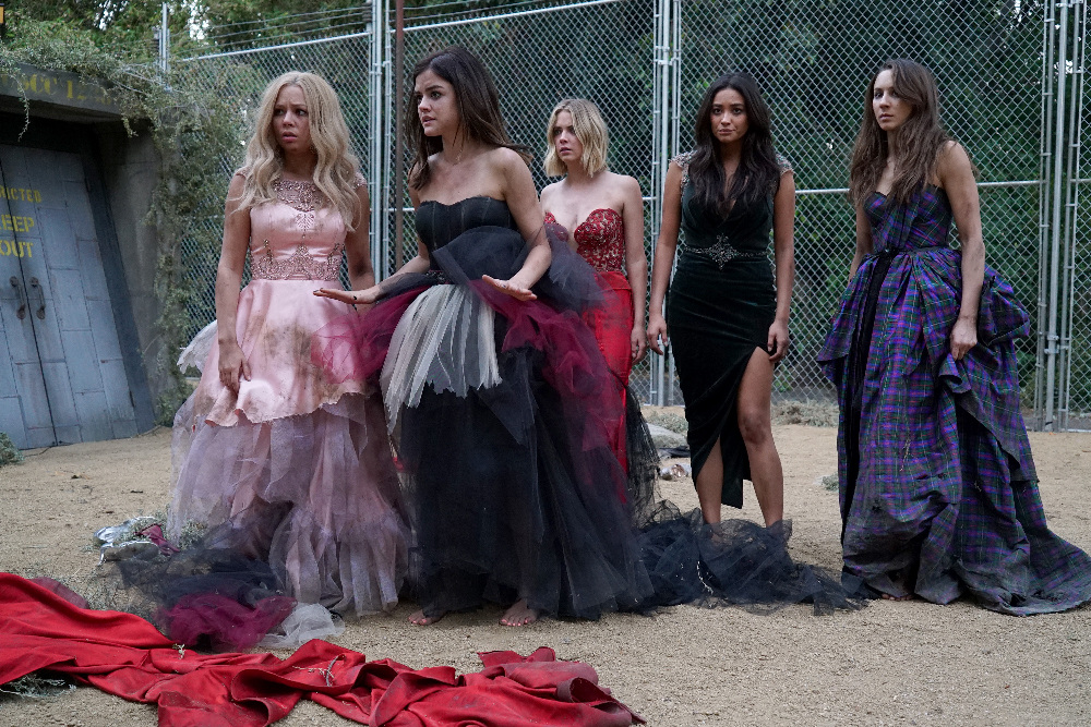 "PRETTY LITTLE LIARS - ""Game On, Charles"""