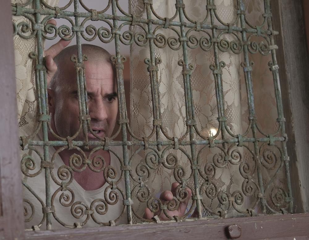 """Prison Break """"Prisoner's Dilemma"""""""