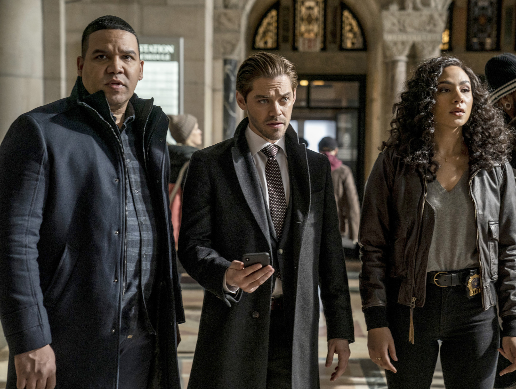 """PRODIGAL SON:  L-R:  Frank Harts, Tom Payne and Aurora Perrineau in """"The Professionals"""" episode of PRODIGAL SON airing Monday, April 20 (9:01-10:00 PM ET/PT) on FOX. © 2020 FOX MEDIA LLC. Cr: Zach Dilgard/FOX."""