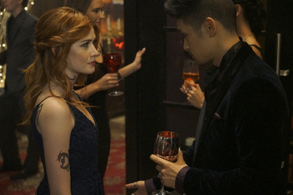 "SHADOWHUNTERS 2.08 ""Love Is a Devil"""