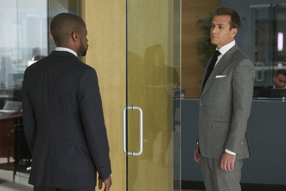 """SUITS -- """"Right-Hand Man"""""""