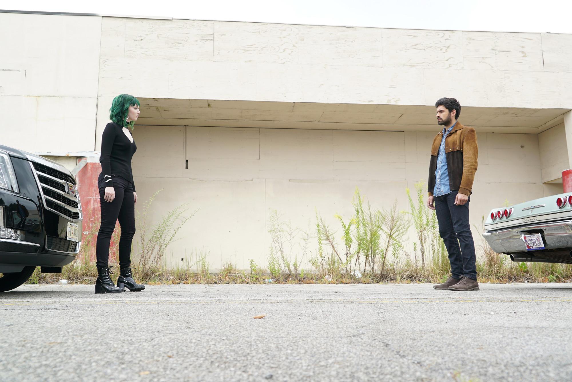 """THE GIFTED: L-R:  Emma Dumont and Sean Teale in the """"eneMy of My eneMy"""" winter premiere  episode of THE GIFTED airing Tuesday, Jan. 1 (9:00-10:00 PM ET/PT) on FOX. ©2018 Fox Broadcasting Co. Cr: Annette Brown/FOX."""