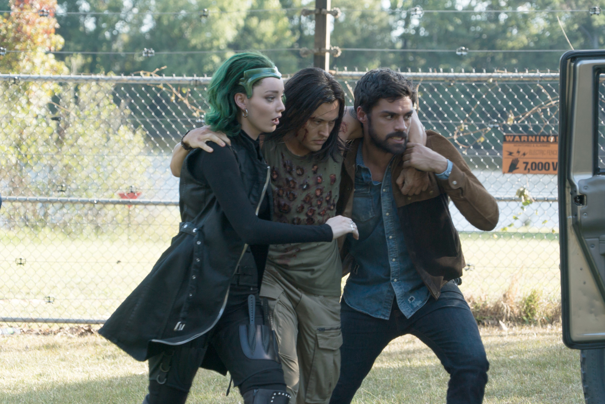 """THE GIFTED:  L-R:  Emma Dumont, Blair Redford and Sean Teale in the """"eneMy of My eneMy"""" winter premiere  episode of THE GIFTED airing Tuesday, Jan. 1 (9:00-10:00 PM ET/PT) on FOX. ©2018 Fox Broadcasting Co. Cr: Annette Brown/FOX."""