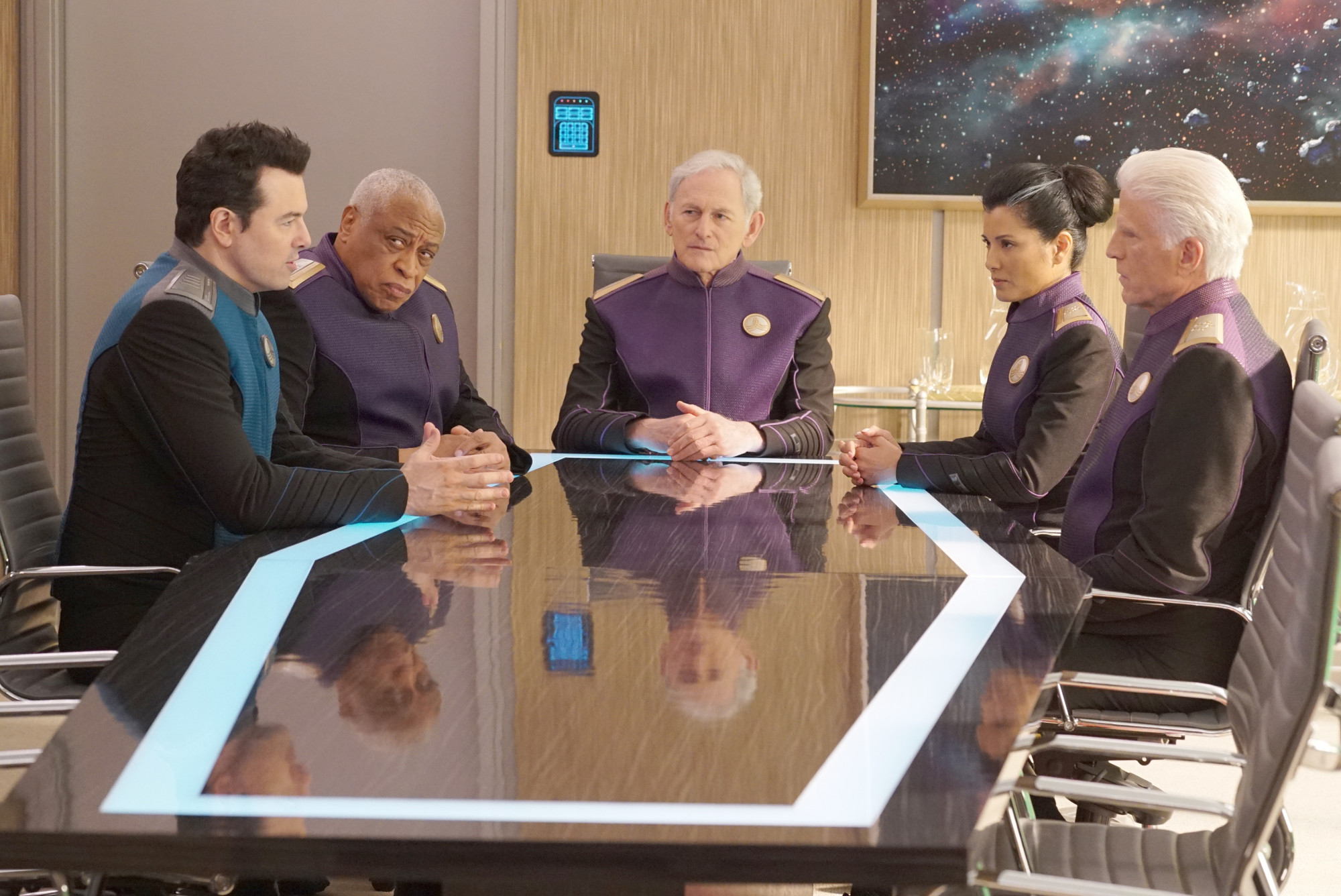 """THE ORVILLE: L-R: Seth MacFarlane, guest star Ron Canada, guest star Victor Garber, guest star Kelly Hu and guest star Ted Danson in the """"Sanctuary"""" episode of THE ORVILLE airing Thursday, April 11 (9:00-10:00 PM ET/PT) on FOX. ©2018 Fox Broadcasting Co. Cr: Kevin Estrada/FOX"""