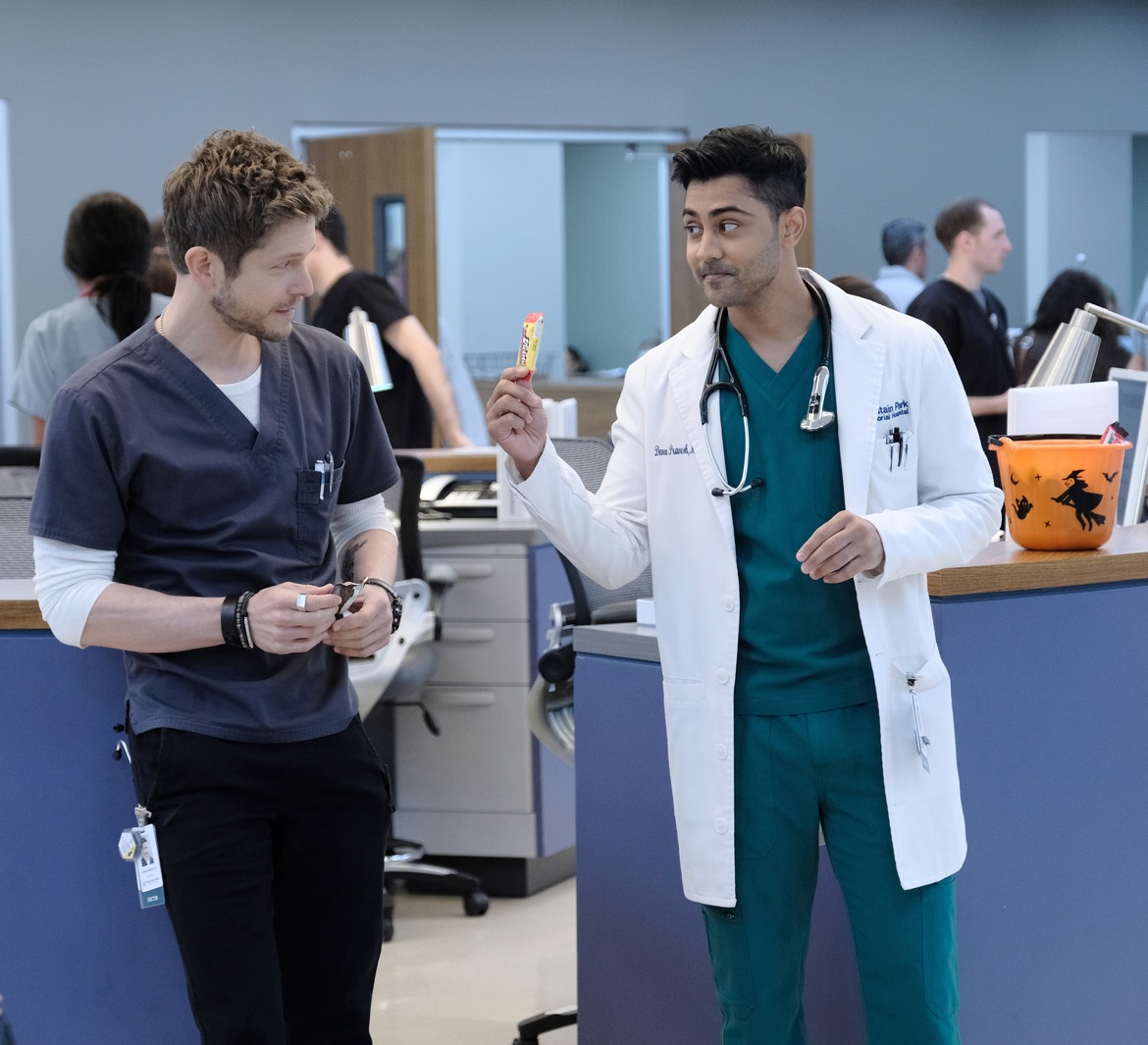 """THE RESIDENT:  L-R:  Matt Czuchry and Manish Dayal in the """"Nightmares"""" episode of THE RESIDENT airing Monday, Oct. 29 (8:00-9:00 PM ET/PT) on FOX. ©2018 Fox Broadcasting Co. Cr: Guy D'AlemaFOX."""