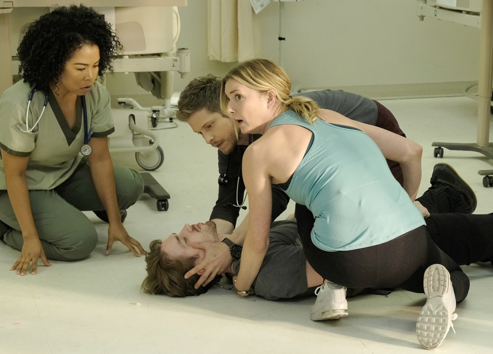 "THE RESIDENT:  L-R:  L-R: Guest star Valerie Sue Love, guest star Ty Trumbo, Matt Czuchry and Emily VanCamp in the ""Trial & Error"" episode of THE RESIDENT airing Monday, Nov. 5 (8:00-9:00 PM ET/PT) on FOX. ©2018 Fox Broadcasting Co. Cr: Guy D'AlemaFOX."