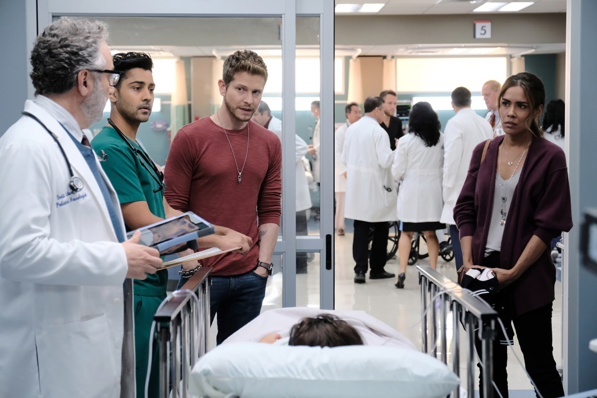 "THE RESIDENT:  L-R: Guest star Paul Schackman, Manish Dayal, Matt Czuchry and guest star Daniella Alonso in the ""Heart in a Box"" episode of THE RESIDENT airing Monday, Nov. 19 (8:00-9:00 PM ET/PT) on FOX. ©2018 Fox Broadcasting Co. Cr: Guy D'Alema/FOX."