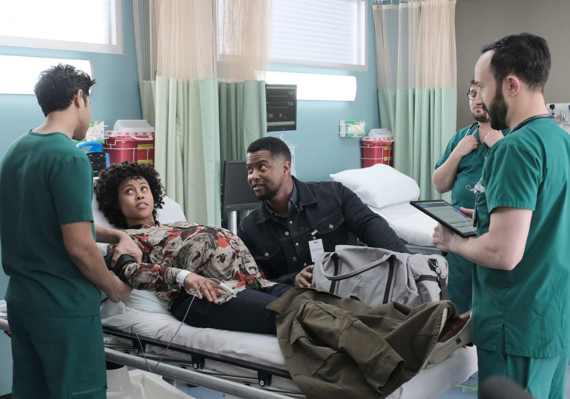 """THE RESIDENT: L-R:  Manish Dayal, guest star Vanessa Antoine, guest star Kamal Bolden and guest star Tasso Feldman in the """"Black Cloud"""" episode of THE RESIDENT airing Monday, April 15 (8:00-9:00 PM ET/PT) on FOX. ©2019 Fox Media LLC Cr: Guy D'Alema/FOX."""