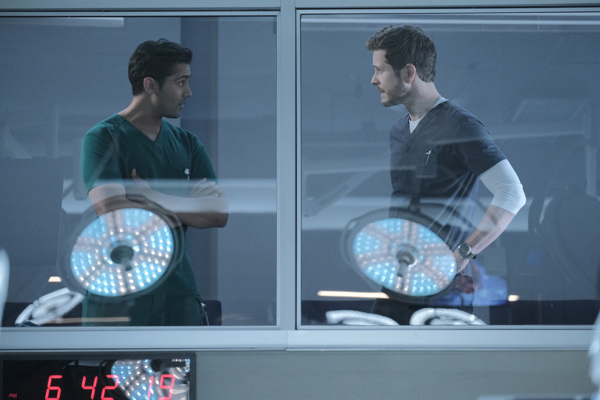 """THE RESIDENT:  L-R:  Manish Dayal and Matt Czuchry in the """"Choice Words"""" episode of THE RESIDENT airing Tuesday, Oct. 29 (8:00-9:00 PM ET/PT) on FOX. ©2019 Fox Media LLC Cr: Guy D'Alema/FOX"""