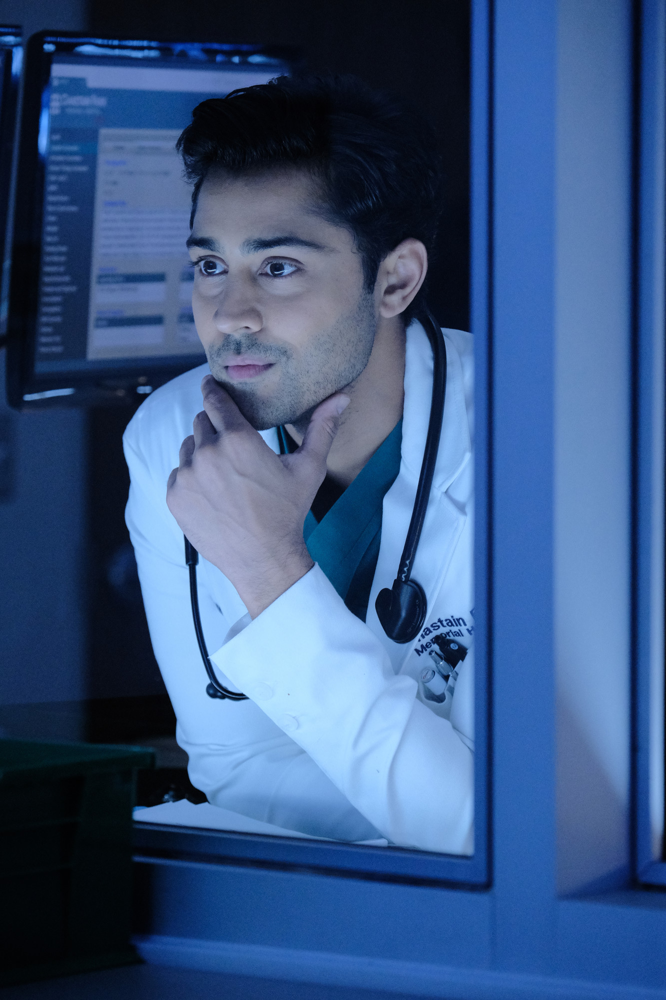 """THE RESIDENT:  Manish Dayal in the """"Out for Blood"""" episode of THE RESIDENT airing Tuesday, Dec. 3 (8:00-9:00 PM ET/PT) on FOX. ©2019 Fox Media LLC Cr: Guy D'Alema/FOX"""