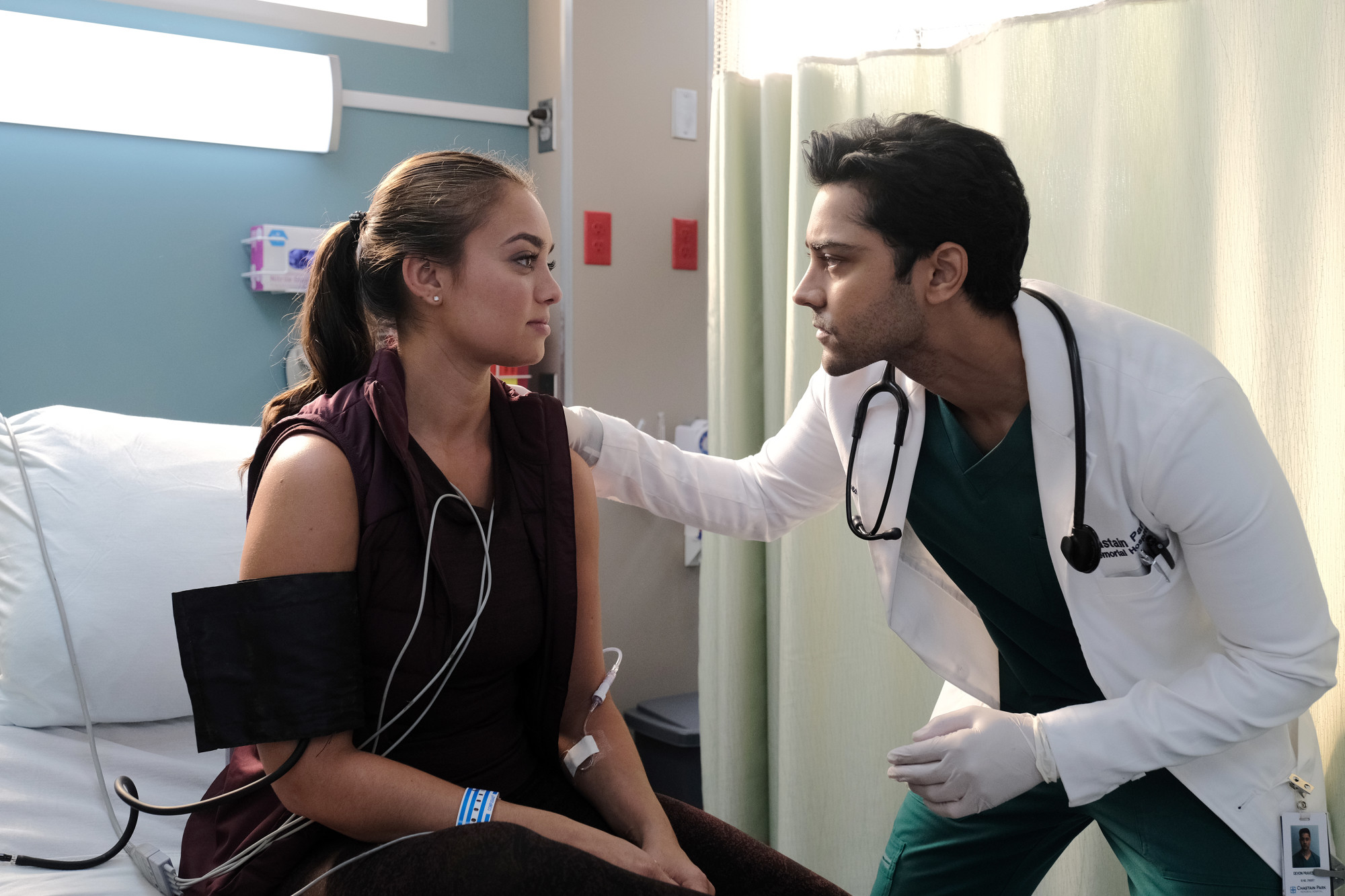 """THE RESIDENT:  L-R:  Guest star Shazi Raja and Manish Dayal in the """"Out for Blood"""" episode of THE RESIDENT airing Tuesday, Dec. 3 (8:00-9:00 PM ET/PT) on FOX. ©2019 Fox Media LLC Cr: Guy D'Alema/FOX"""
