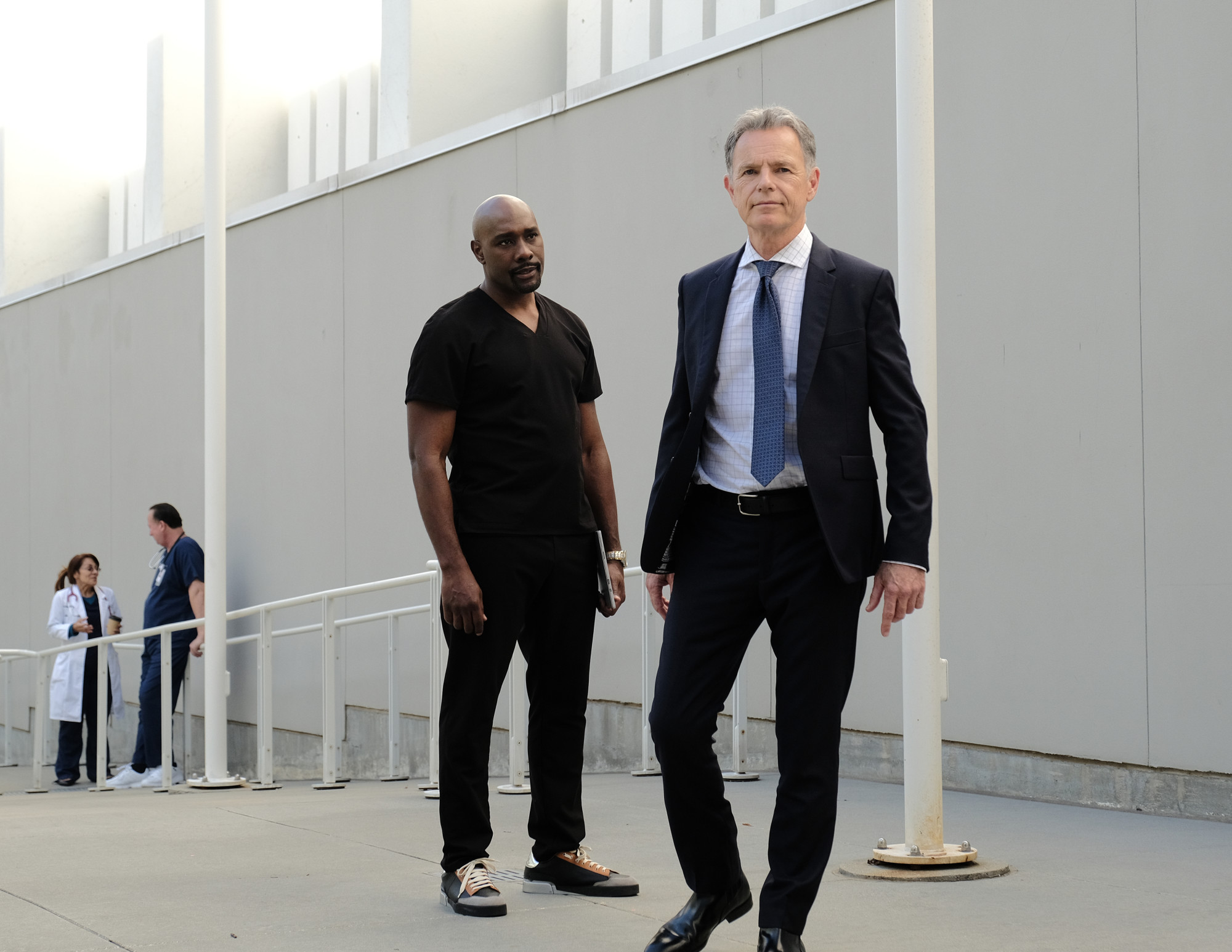 "THE RESIDENT:  L-R:  Morris Chestnut and Bruce Greenwood in the ""Whistleblower"" fall finale episode of THE RESIDENT airing Tuesday, Dec. 17 (8:00-9:00 PM ET/PT) on FOX. ©2019 Fox Media LLC Cr: Guy D'Alema/FOX"