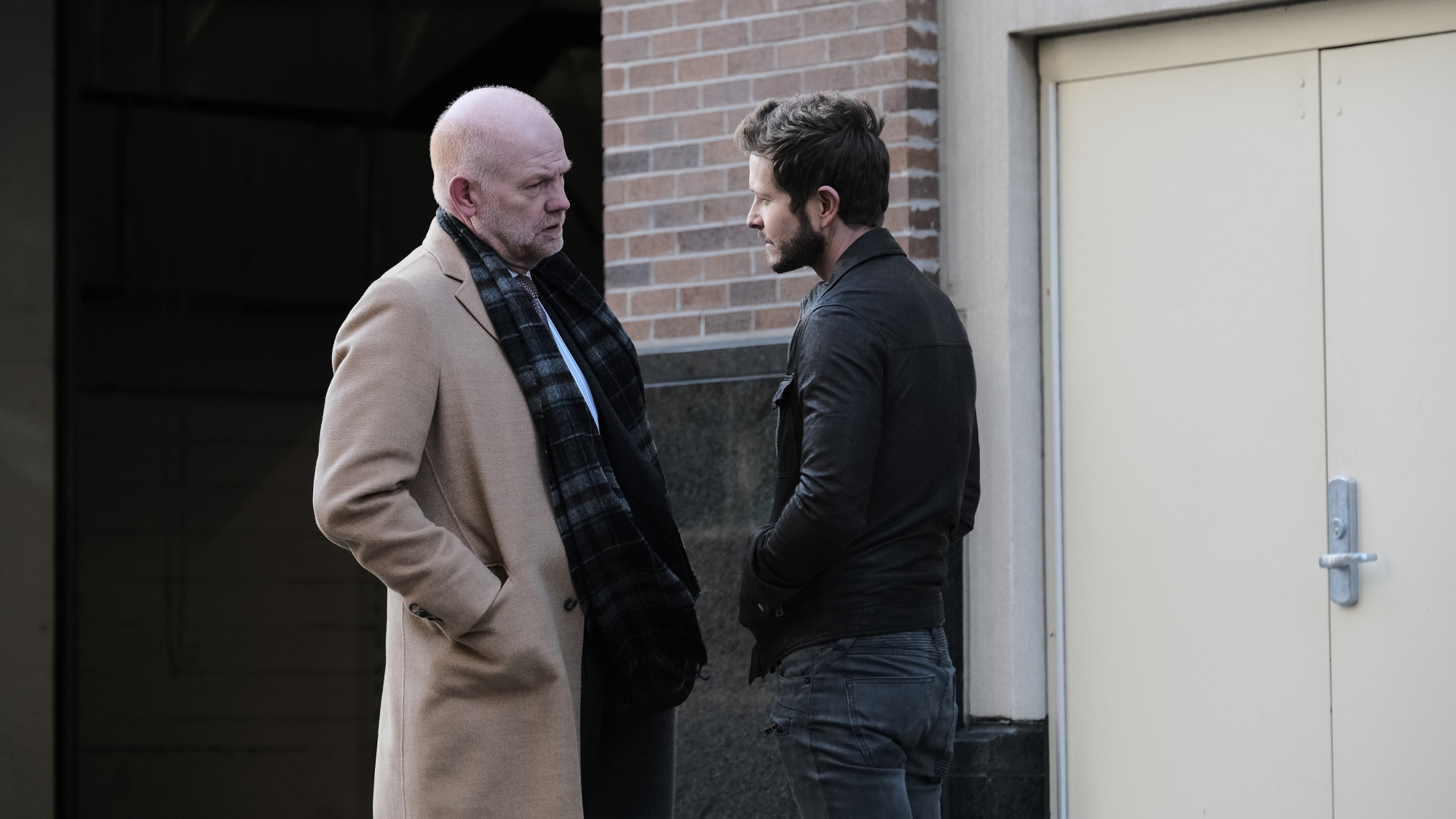 "THE RESIDENT: L-R: Guest star Glenn Morshower and Matt Czuchry in the ""Home Before Dark"" episode of THE RESIDENT airing Tuesday, Feb. 9 (8:00-9:01 PM ET/PT) on FOX. ©2021 Fox Media LLC Cr: Guy D'Alema/FOX"