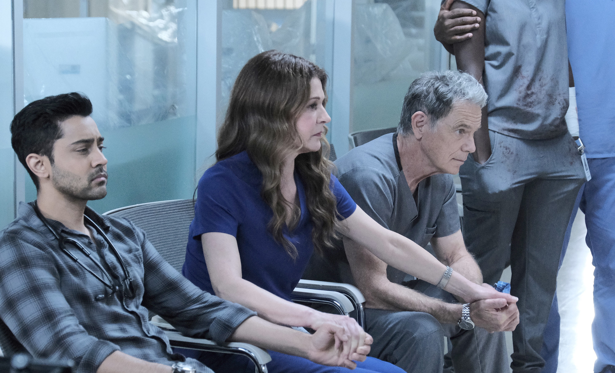 """THE RESIDENT: L-R: Manish Dayal, Jane Leeves and Bruce Greenwood in the """"Home Before Dark"""" episode of THE RESIDENT airing Tuesday, Feb. 9 (8:00-9:01 PM ET/PT) on FOX. ©2021 Fox Media LLC Cr: Guy D'Alema/FOX"""