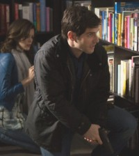 Nora Zehetner as Khloe, David Giuntoli as Nick Burkhardt -- (Photo by: Scott Green/NBC)