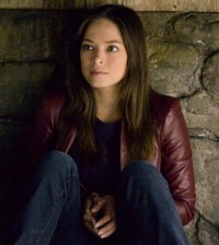 Kristin Kreuk as Cat. Image © CW Network
